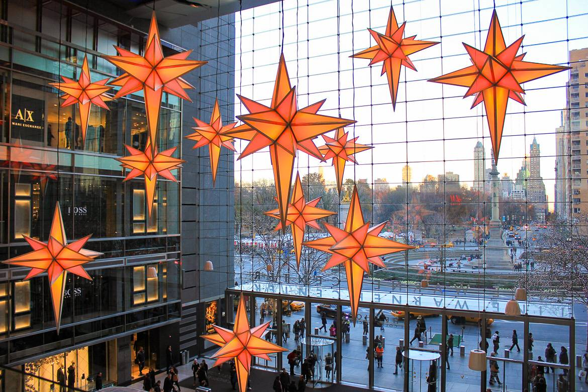 Image of Columbus Circle's shopping mall decorations