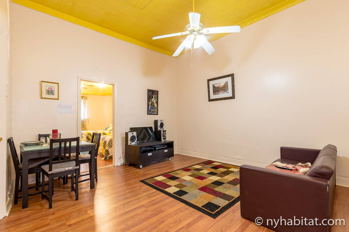 Image of living room of NY-16457, a two bedroom apartment share in Bed-Stuy