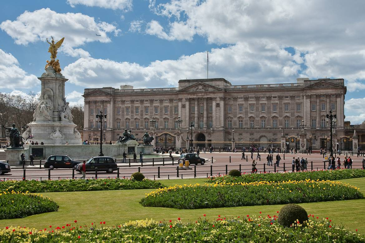 Image of Buckingham Palace with planted gardens around it