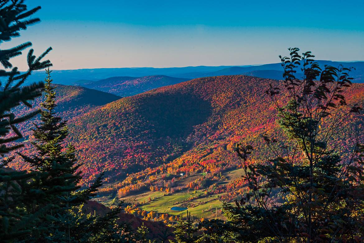 Image of fall colors in the Catskill Mountain range.
