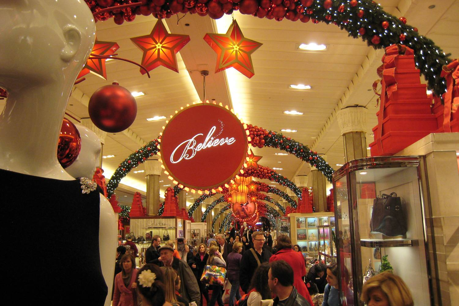 Image of the interior of New York's Macy's department store decorated for the Christmas season.