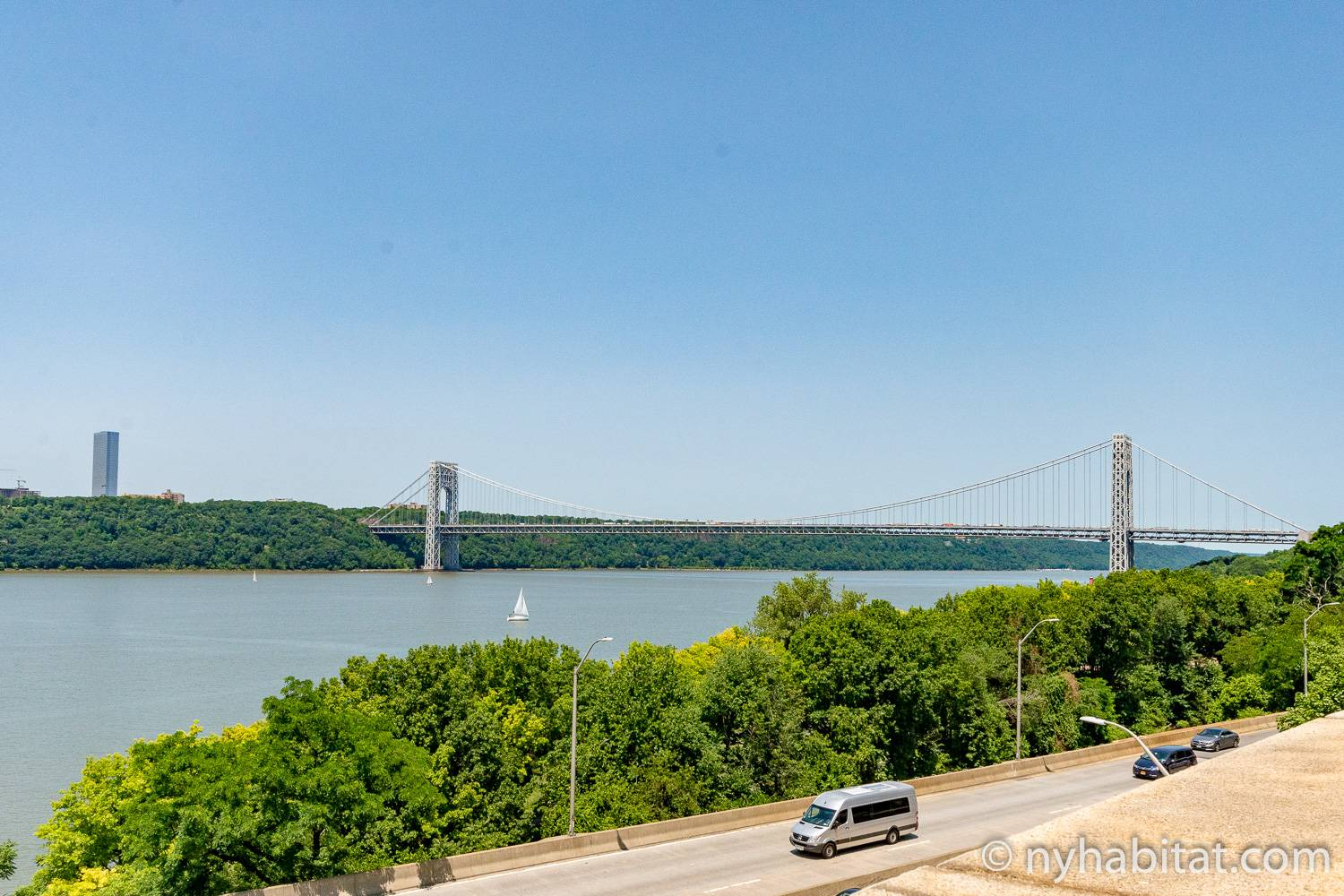 Image of view from NY-6328 of the Hudson River.