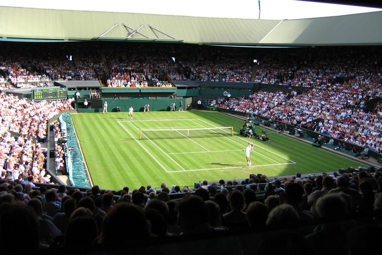 Image of a match being played at Wimbledon's Centre Court.