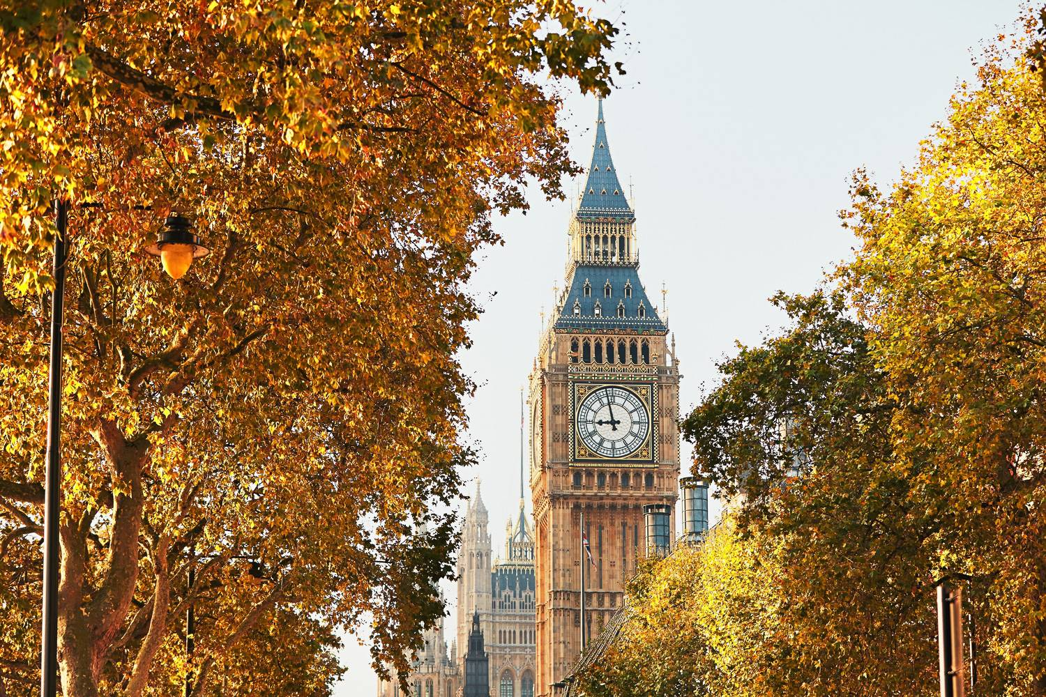 Photo - London fall event travel guide Big Ben iconic clock tower