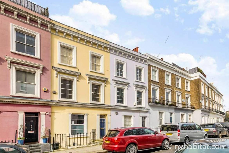 Foto von farbenfrohen Wohngebäuden in Notting Hill, London.