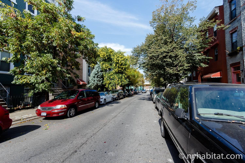 Foto von einer Straße in Fort Greene außerhalb der Studiowohnung NY-16024.