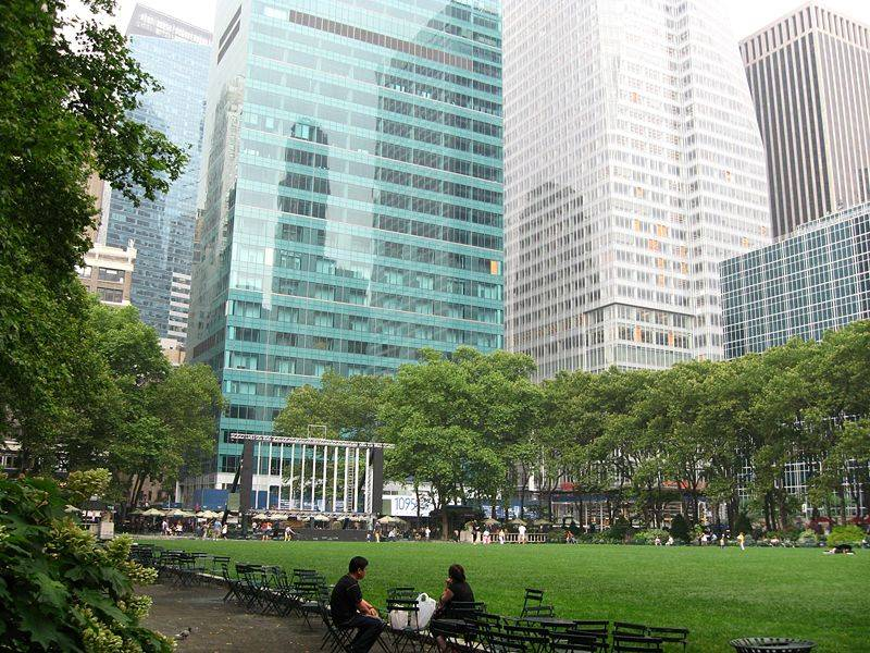 Sommer in New York Citys Bryant Park