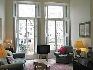 Eine Unterkunft in London: Eine Wohnung mit zwei Schlafzimmern in Earls Court (LN-81)