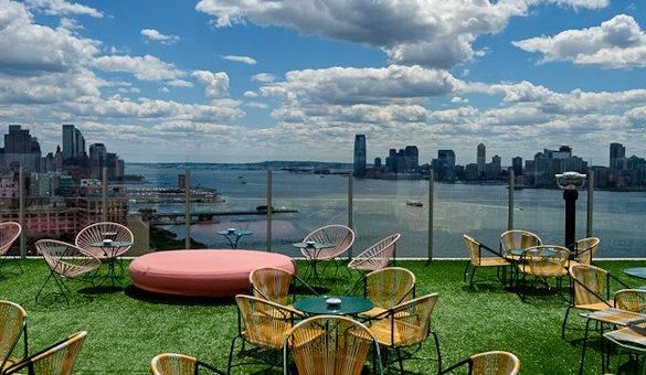 Aussicht auf den Hudson River und New Jersey von Le Bain aus, im Meatpacking District in Manhattan