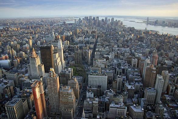 Panoramablick vom Empire State Building über Manhattan
