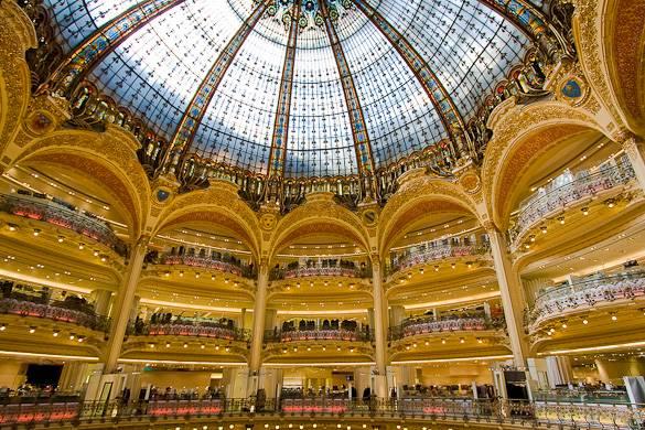 Foto der Glaskuppel der Galeries Lafayette in Paris