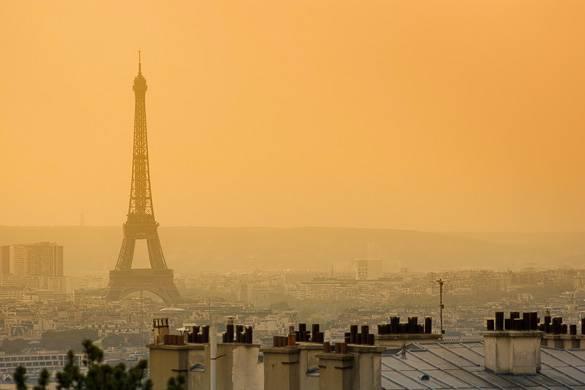 Bild von Paris bei Abenddämmerung, aufgenommen von der Sacré-Cœur in Montmartre