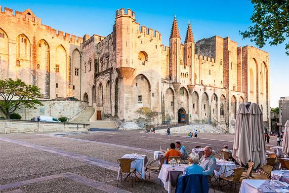 Bild des Päpstlichen Palastes in Avignon
