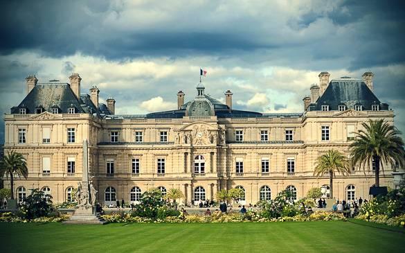 Imagen del Palacio de Luxemburgo en el distrito 6 de París.