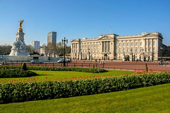 Foto des Buckingham Palace und des Queen Victoria Memorials in London