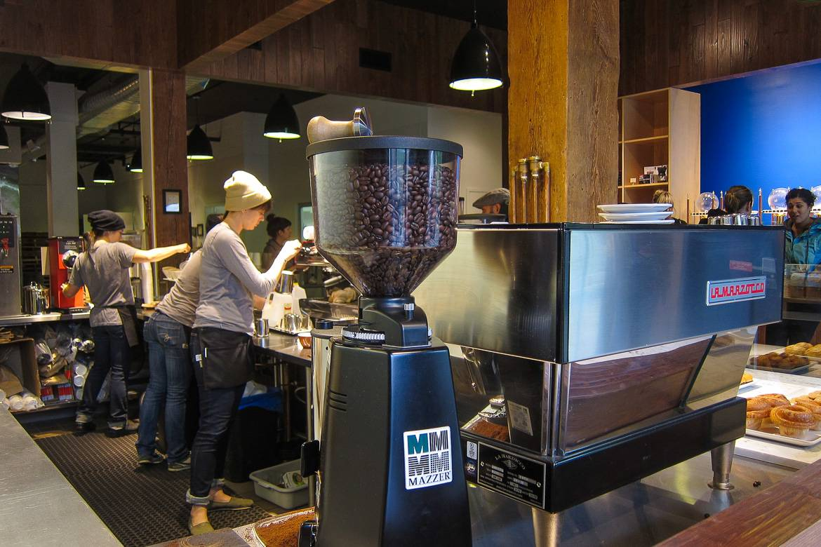 Bild des Blue Bottle Cafés in New York. Photo: Scott Beale.
