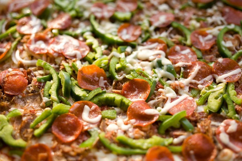 Foto einer Pizza von Ray's.