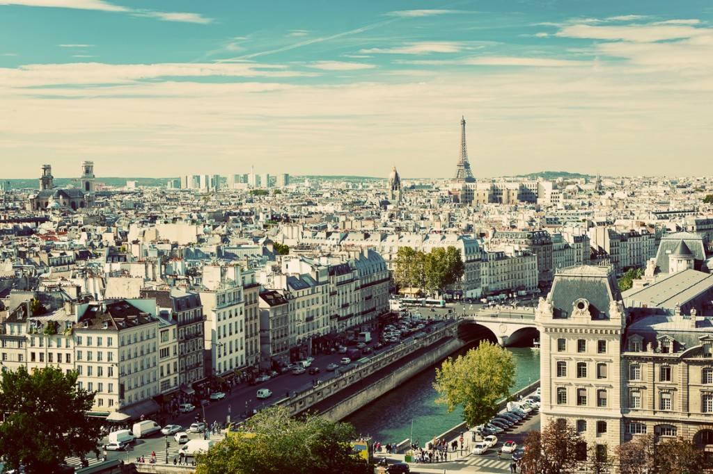Paris Sommer Reiseführer 2015