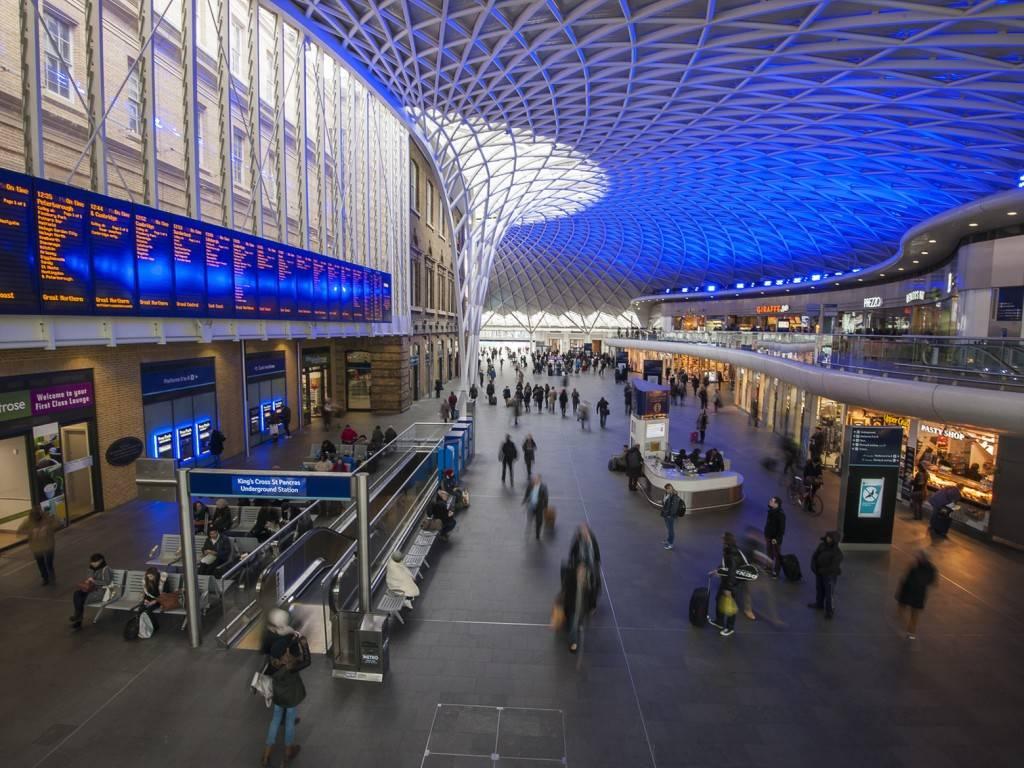 Bild des Gedränges in der Kings Cross Station in London