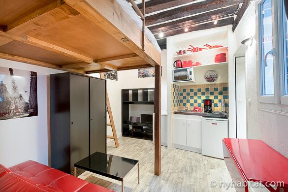 Bild des Wohnzimmers in der möblierten Studiowohnung PA-4405