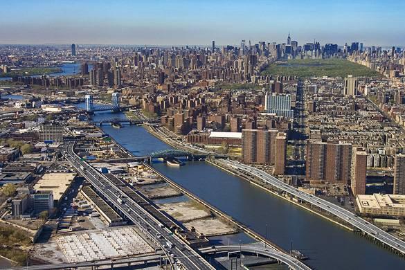 Bild des Central Park, Harlem und dem East River von oben.