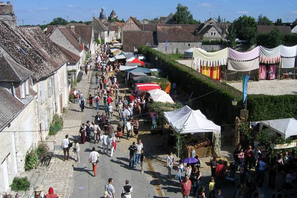 Bild eines mittelalterlichen Jahrmarktes in Provins, Frankreich