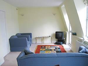 Location meublée à Londres. Photo d'un appartement T3 à Kensington - Chelsea (LN 38)