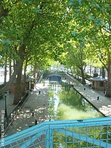 Tourisme et loisirs à Paris. Photo du canal Saint Martin.