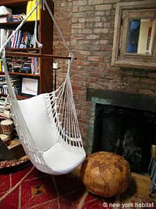 Location meublée à New York. Photo d'un appartement T1 dans l'East Village, Lower East Side (NY-12893)