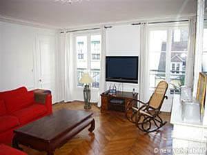 Location meublée à Paris. Photo d'un appartement T4 à Saint Germain des Prés, Saint Michel (PA-2646)