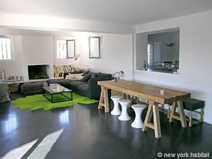Location de vacances dans le sud de la France. Photo d'une villa T6 à Gordes, Provence Luberon (PR-766)
