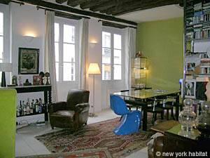 Location meublée à Paris. Photo d'un appartement T2 dans le Marais, Les Halles (PA-421)
