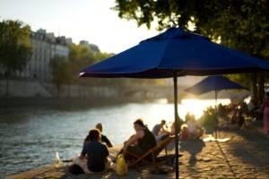 S'amuser au bord de la Seine à Paris