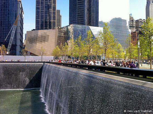 Vue du mémorial du 11 septembre de New York en avril 2012