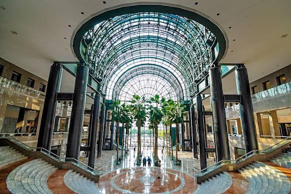 Le spectaculaire atrium de verre du Winter Garden - World Financial Center - Manhattan