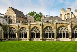 Photo du cloître et du « Garth » de l'Abbaye de Westminster