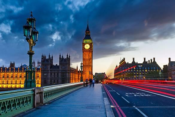 Photo des Chambres du Parlement de Londres et de Big Ben prise du pont de Westminster