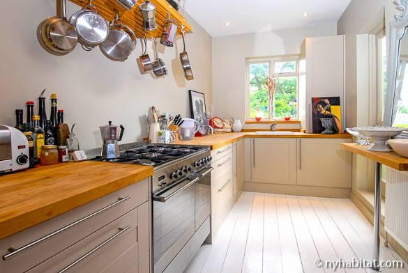 Photo d'une cuisine dans une location de vacances à Londres