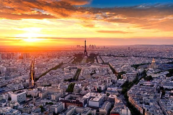Photo d'un coucher de soleil sur Paris prise depuis la Tour Montparnasse
