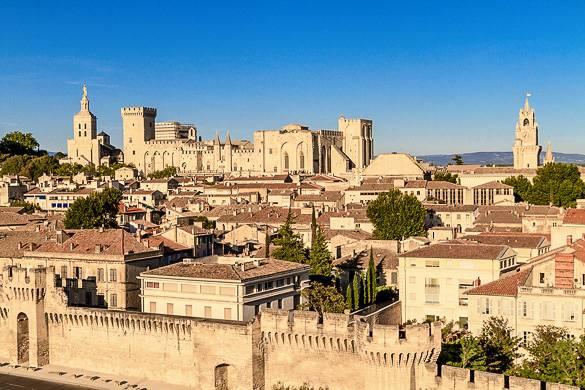 Vue panoramique du centre-ville d'Avignon