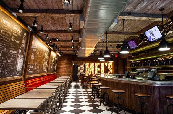 Mel's Bar sert d'excellents burgers, bières et milkshakes dans le quartier de Morningside Heights