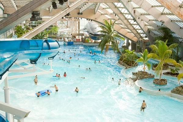 Le parc aquatique Aquaboulevard à Paris