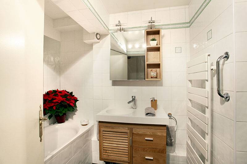 Photo de la première salle de bain