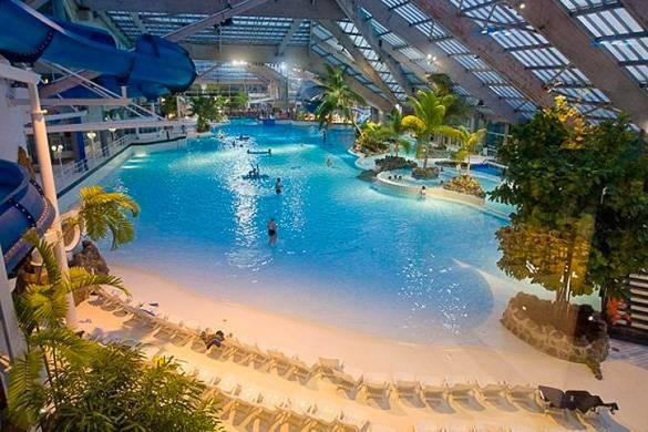 Photographie de la piscine d'Aquaboulevard.