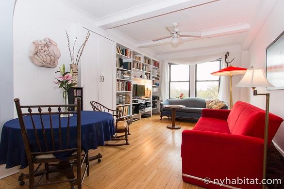 Photo de l'appartement NY-17172 dans le quartier de l'Upper West Side avec vue sur Central Park depuis le salon