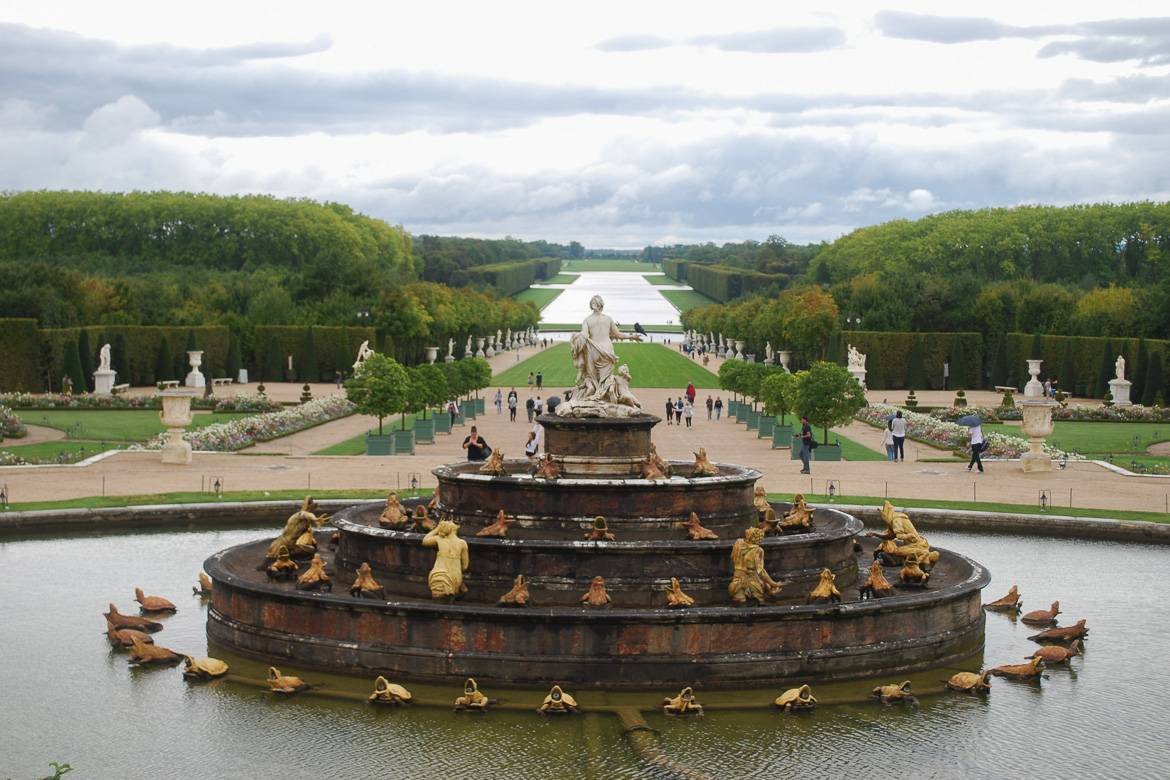 Photo d'une fontaine à Versailles près de Paris