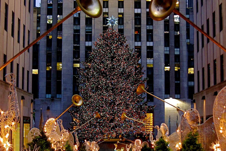 Photo du sapin à Rockefeller Center, décoré pour les fêtes.