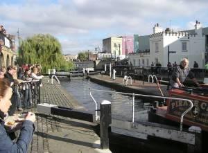Londra: a caccia di affari al mercato di Camden