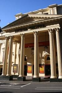 Londra sul palcoscenico: una sera a teatro