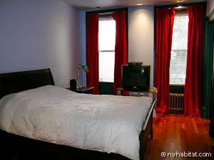 Una delle camere da letto dell'appartamento bed & breakfast a Hell's Kitchen
